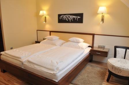 Mizse Motel 2